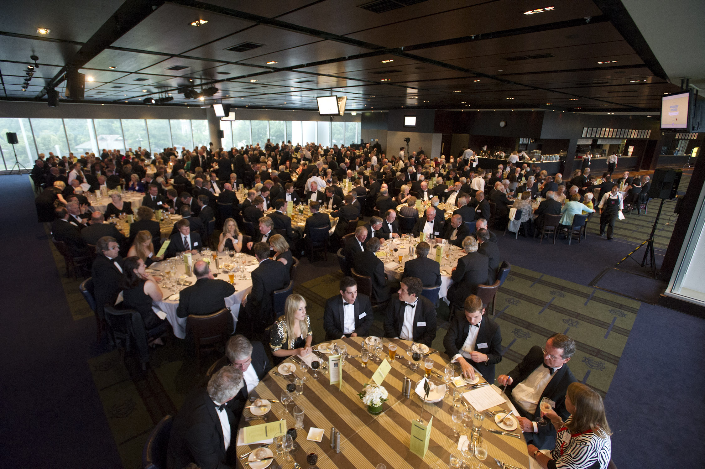 Melbourne Cricket Club Members Dining Room : mdr 8 from mcc.org.au size 2250 x 1497 jpeg 713kB